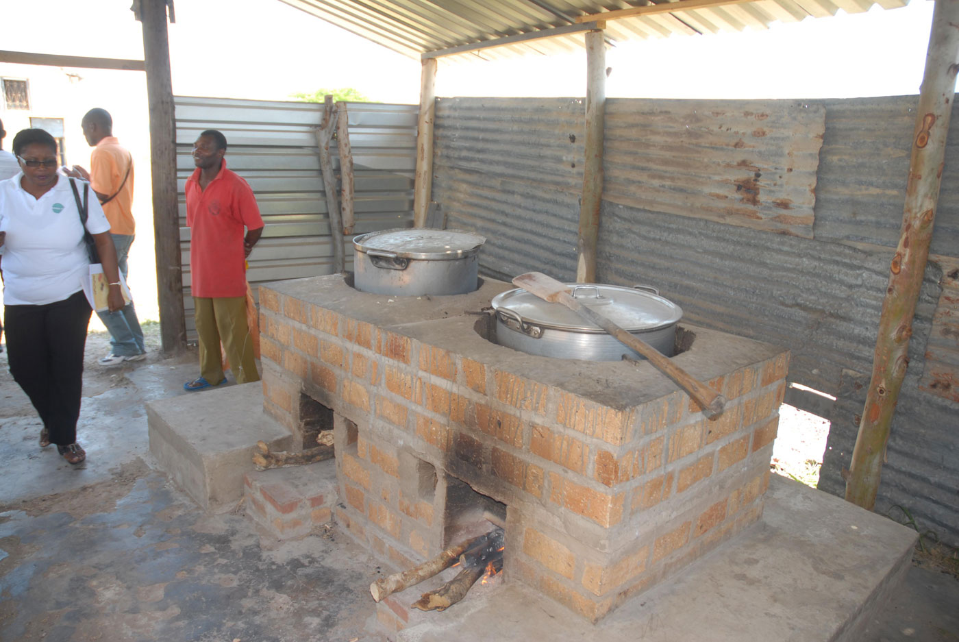 Project cheap kitchens africaon onlus for Cucine economiche
