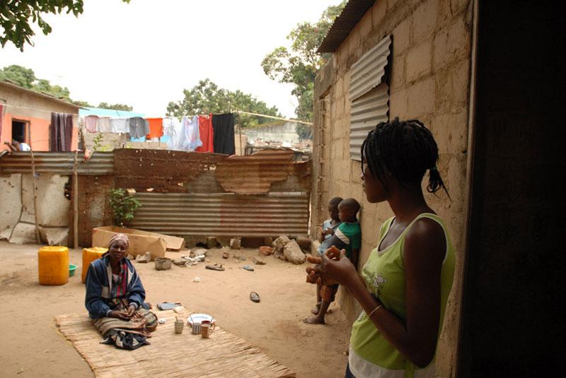 mozambico_ragazzedistrada